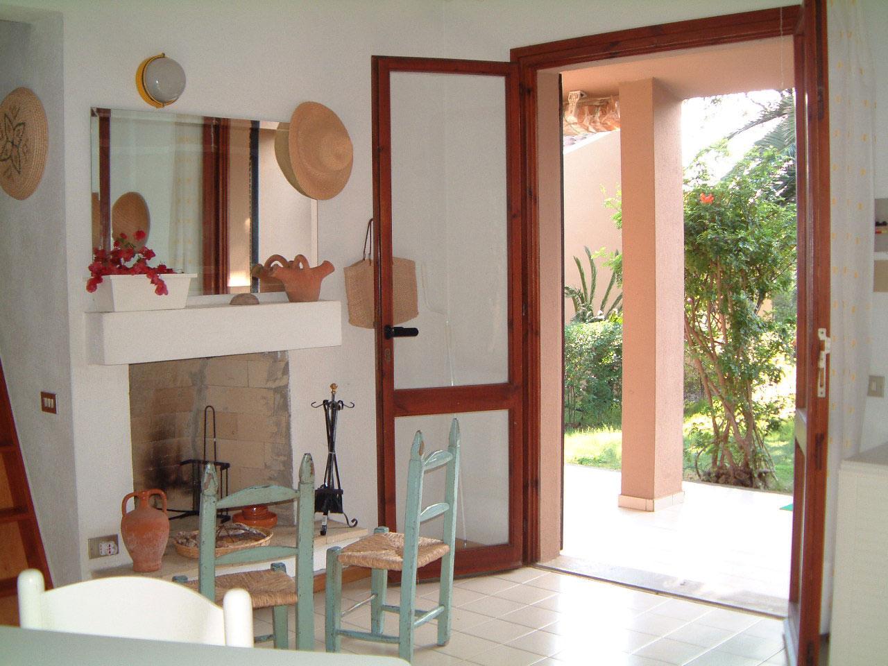 kamin im wohnzimmer nachrusten raum und m beldesign inspiration. Black Bedroom Furniture Sets. Home Design Ideas
